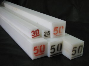 Tarugos quadrados poliacetal